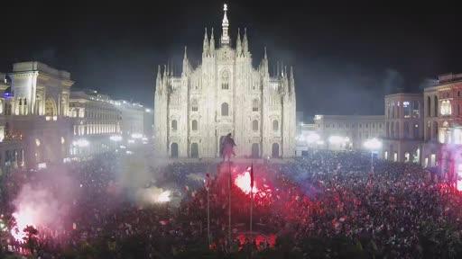 Piazza Duomo a Milano dopo la vittoria