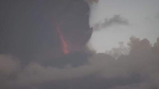 L'eruzione ripresa dalla webcam